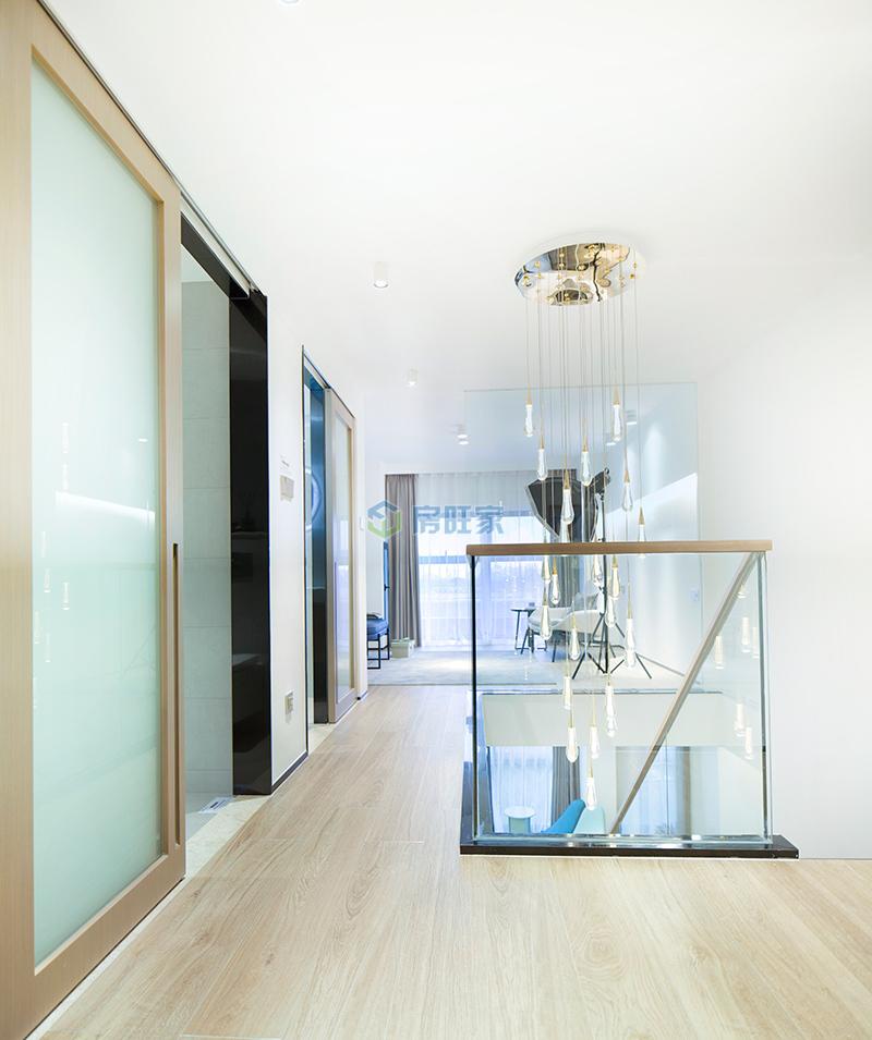 LOFT创办空间 二层楼梯