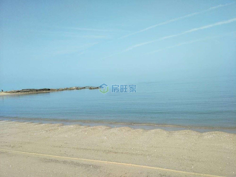 金月湾椰海小镇小区周边海景